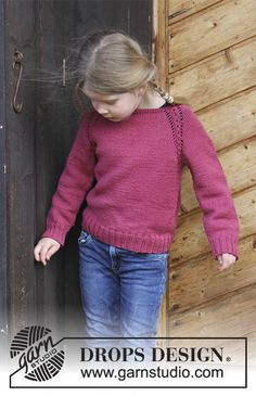 Cherry Cuddler - Jumper with raglan and cables, worked top down for kids. Size 2 - 12 years Piece is knitted in DROPS Merino Extra Fine. - Free pattern by DROPS Design Kids Knitting Patterns, Jumper Knitting Pattern, Knitting For Kids, Free Knitting, Drops Design, Girls Sweaters, Baby Sweaters, Raglan Pullover, Magazine Drops