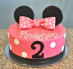 Pink Minnie Mouse birthday cake!