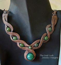 Collar con alambre de cobre  y perla