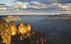 #13 Blue Mountains (NSW) World Heritage-listed, the Blue Mountains are a wonderland of ancient forests, deep valleys and lookouts from sheer cliffs, all just an hour or so from Sydney.