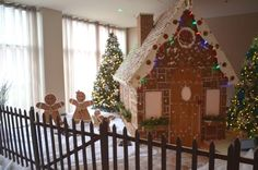 giant-gingerbread-house