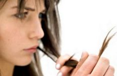 Hair breakage is one of the most important hair problems that both men and women face. Hair breakage usually occurs when the hair becomes excessively dry, How To Prevent Hair Breakage, Natural Hair Mask, 4c Hair, Frizzy Hair, Best Natural Skin Care, Hair Loss Treatment, Hair Repair, Grunge Hair, Hair Health