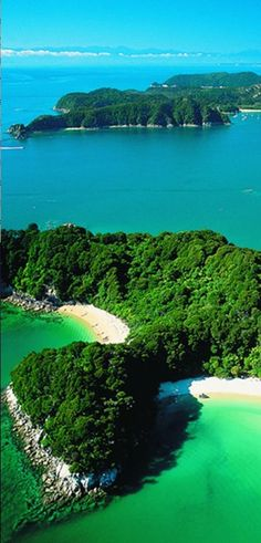 The emerald green waters of Abel Tasman National Park on New Zealand's South Island