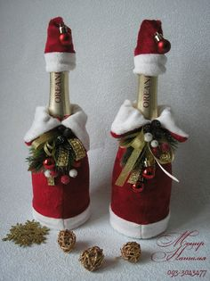 wine, chocolate and Christmas? Felt Christmas, Christmas Holidays, Christmas Decorations, Christmas Ornaments, Christmas Projects, Holiday Crafts, Christmas Wine Bottles, Wine Bottle Crafts, Diy Gifts