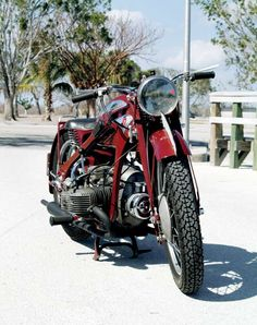 From road racer to plodding sidecar hack, this 1937 Zundapp has led quite a life. Vintage Bikes, Vintage Motorcycles, Triumph Motorcycles, Cars And Motorcycles, South American Countries, Motorcycle Engine, Old Bikes, Mopeds, Sidecar