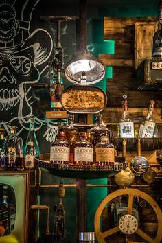 la Joben Bistro, un loc desprins din cărțile lui Jules Verne Jules Verne, Coffee Maker, Kitchen Appliances, Home, Coffee Maker Machine, Diy Kitchen Appliances, Coffee Percolator, Home Appliances, Coffee Making Machine