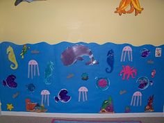Preschool Ocean theme - use art projects to make a preschool ocean on the wall Preschool Curriculum, Preschool Themes, Preschool Lessons, Preschool Activities, Ocean Lesson Plans, Ocean Activities, Under The Sea Theme, Ocean Themes, Working With Children