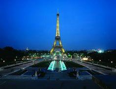 Eiffel Tower by night from the Trocadero #paris #visitparis #pariscityvision #eiffeltower #eiffel #france