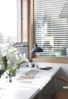 Window in study area, scandinavian, white, matte black lamp.
