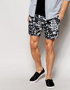 Shorts von ASOS weicher Webstoff Taillenbund mit Kordelzug Seitentaschen abgerundeter Saum Straight Fit - gerader Beinschnitt Maschinenwäsche 100% Polyester Model trägt 32 Zoll/81 cm Normalgröße und ist 185,5 cm/6 Fuß 1 Zoll groß