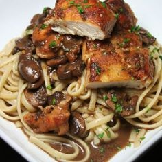 Chicken with mushrooms, red wine and linguine