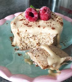 Pensa em uma receita fácil e mega nutritiva? É esse bolo de microondas sem glúten, leite e açúcar. Você vai se surpreender: 3 minutos e está pronto :)