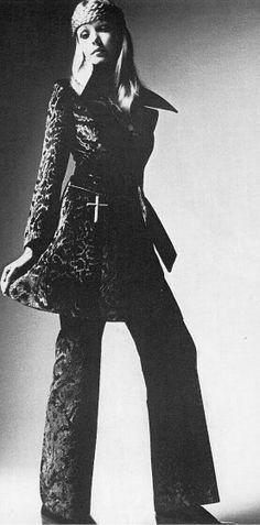 December 1968 - UK Vogue Maudie James by Barry Lategan