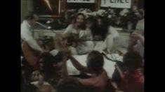 Give Peace a Chance - John Lennon  & Plastic Ono Band [Original video]