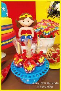 Decoração de festa infantil na mesa Rústica, tema  Super Homem e Mulher Maravilha (Superman and Wonder Woman), realizada na cidade de Sorocaba. Empresa trabalha com temas infantis Clean / Provençal e Rústica.