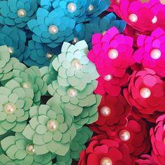 """39 curtidas, 3 comentários - Caliane Nery (@cneventospersonalizados) no Instagram: """"""""E vejo flores em você..."""" Aguenta firme que vem coisa linda por aí! #cnnomundo #lovelisbon"""""""