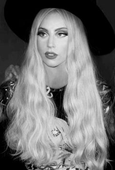 Lady Gaga as Sabrina (A member of the AXE but work as a spy for the ROSE Mafia) Mtv, Divas, Lady Gaga Pictures, Corte Y Color, Queen, Her Hair, My Idol, Beautiful People, New York City