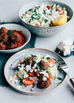 Couscous met gehaktballetjes Fancy a nice easy meal? Then make this couscous with Moroccan meatballs Couscous, Veggie Recipes, Healthy Recipes, Food Porn, Clean Eating, Diner Recipes, Sauce Tomate, Food Is Fuel, Middle Eastern Recipes