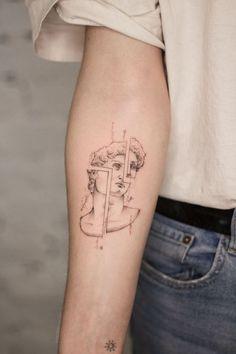 Dainty Tattoos, Pretty Tattoos, Unique Tattoos, Small Tattoos, Tattoos For Guys, Tattoos For Women, Modern Tattoos, Simple Arm Tattoos, Unique Tattoo Designs