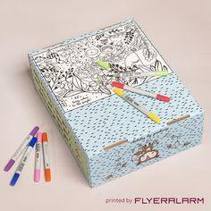 Printed by FLYERALAM: Versandverpackungen im Design von Künstlerin Tigapigs.