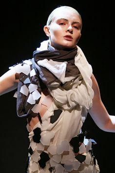 EP_ANOUI by Eva Poleschinski Www.epanoui-fashion.at Fashion Show, Ruffle Blouse, Chain Mail, Detail, Collection, Women, Style, Swag, Chain Letter