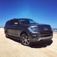Hitting the beach in this massive bad boy 😎☀🏖 Ford Expedition Max! New Ford F150, Car Ford, Ford Gt, Ford Trucks, Top Suvs, Cash Program, Ford Expedition, 2019 Ford, Ford
