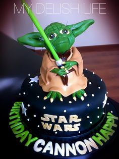 10 Out of This World Star Wars Cakes