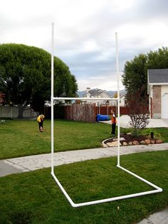 Homemade football/rugby uprights using PVC pipe Football Goal Post, Youth Football, Football Field, Footy Goals, Boy Sports Bedroom, Rugby Training, Football Birthday, Boy Birthday, Rugby League