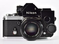 Check out some of the Nikon prototype cameras on display at the Nikon Museum - Nikon Rumors Nikon Dslr Camera, Film Camera, Nikon Cameras, Old Cameras, Vintage Cameras, Camera Photography, Object Photography, Classic Camera, Photography Equipment