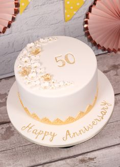 Honey and cardamom cake - HQ Recipes Golden Anniversary Cake, 25th Wedding Anniversary Cakes, Anniversary Cake Designs, Anniversary Food, Wedding Cake Decorations, Wedding Cakes, Wedding Gifts, Aniversary Cakes, 50th Cake