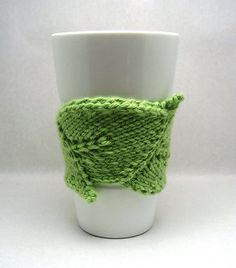 Love this coffee cup cozy. It's a great way to use up some scrap yarn, too.