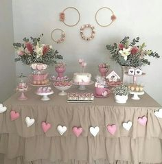 Decoration Birthday Party Ideas Create your perfect party with various decorations like the picture below!Choose from some of plain and themed birthday party decorations including banners, bunting, paper decorations, pom poms,baloon and more.