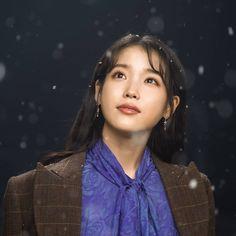 """I'm not ready for the last episodes of """"Hotel Del Luna"""" 😭💜 Korean Star, Korean Girl, Asian Girl, Girl Photo Poses, Girl Photos, Drama Korea, Korean Drama, K Pop, Korean Celebrities"""