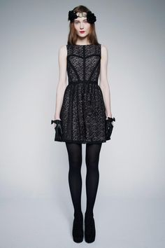 ERIN by Erin Fethereston Fall 2013 RTW Photo 1 Love it down to the gloves