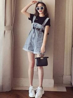 2019 summer clothes new Korean version of French minority online celebrities wear wide-legged pants two-piece set of beautiful women in a suit Korean Summer Outfits, Korean Outfit Street Styles, Cute Summer Outfits, Short Outfits, Girl Outfits, Casual Outfits, Cute Outfits, Summer Clothes, Korean Girl Fashion