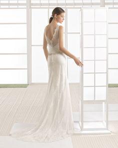 WAYA vestido novia en color marfil.