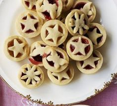 Little jam tarts Use pre-made pastry and good quality jam or fruit compote. Let you kids come up with their own ideas for filling. Pastry Recipes, Tart Recipes, Sweet Recipes, Baking Recipes, Baking Ideas, Dessert Recipes, Meal Recipes, Desserts, Bbc Good Food Recipes