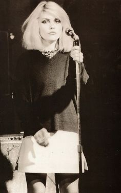 Debbie Harry - 70's 80's style icon. Singer - Blondie. Love. Heart of Glass - SL x
