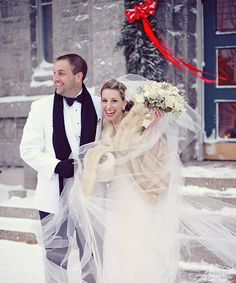 Amazing (and TERRIBLE) advice from real couples - hashtags} - Hoch . Winter Wedding Fur, Snow Wedding, Wedding Bells, Dream Wedding, Christmas Wedding, Winter Weddings, Green Weddings, Winter Bride, Romantic Weddings