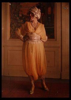 More Poiret fashion ca. 1920.