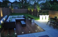 Modern-Backyard-Ideas-with-Elegant-Wooden-Deck-and-L-Shaped-Sofa-Using-Decorative-Outdoor-String-Lighting.jpg (1024×662)