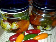 Chilli plnené syrom (fotorecept) - obrázok 5 Russian Recipes, Hot Sauce, Pickles, Feta, Cucumber, Food To Make, Salsa, Mason Jars, Food And Drink