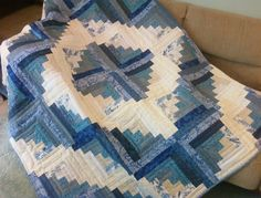 Log Cabin Quilt Design Blue | Kari's Crafts: Log Cabin Quilt