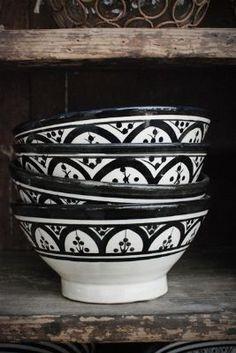 Blackberry Lane - Black & White Bowls
