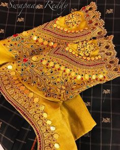 Latest Jeweled Blouse designs for 2019 Wedding Saree Blouse Designs, Pattu Saree Blouse Designs, Best Blouse Designs, Saree Blouse Patterns, Wedding Blouses, Wedding Sarees, Sari Bluse, Stylish Blouse Design, Hand Work Blouse Design