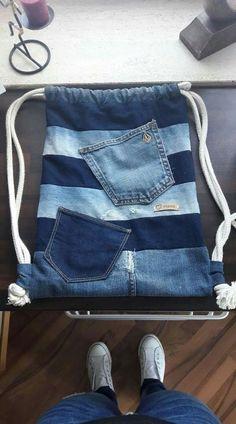 Denim Bag Patterns, Bag Patterns To Sew, Denim Bags From Jeans, Mochila Jeans, Diy Bags Purses, Denim Handbags, Denim Ideas, Denim Crafts, Handmade Bags