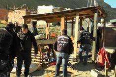 Levantan asentamientos ilegales en El Rincón del Diablo http://www.ambitosur.com.ar/levantan-asentamientos-ilegales-en-el-rincon-del-diablo/ Personal de las Secretarías de Seguridad y de Tierras, de la Seccional Primera de Policía y de Infantería, realizaron un levantamiento de asentamientos ilegales, que constó en la erradicación de dos precarias construcciones en la zona del Rincón del Diablo.    Al respecto, el subsecretario de Seguridad, Antonio Zúñiga, explicó
