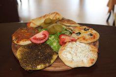 Mana'eesh مناقيش  Palestinian food Palestine Food, Hunter Gatherer Diet, Snack Recipes, Snacks, Lebanese Recipes, Exotic Fruit, Middle Eastern Recipes, Arabic Food, Dessert Drinks
