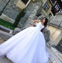 #realbrides #realweddings #demetriosbride #wedding #bride https://www.facebook.com/media/set/?set=o.177463631219&type=3