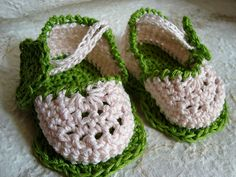 Ravelry: Flower baby sandals pattern by Nasce UnBimbo